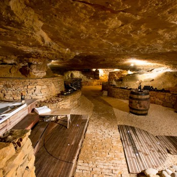 la-terre-d-or-beaune-grotte-12