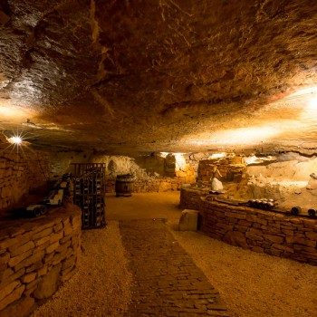 la-terre-d-or-beaune-grotte-2