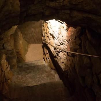 la-terre-d-or-beaune-grotte-9